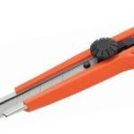 Chuchilla Retráctil (Cutter) guía metálica y dos hojas Studmark ST-04109